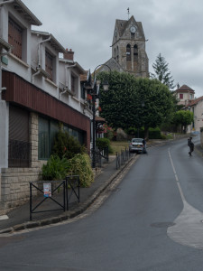 Main street of Fontaine-le-Port.