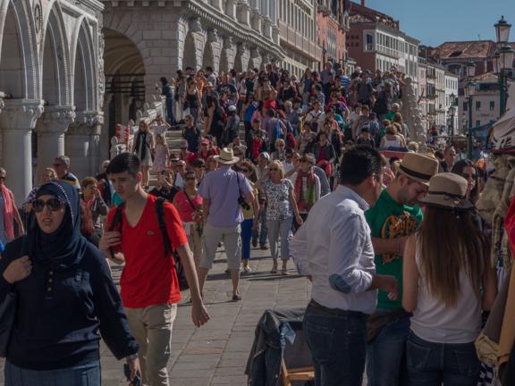 Venice-crowds-2